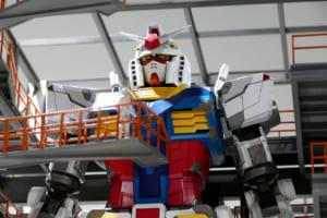 【朗報】横浜に建設中の等身大ガンダム、動くところを動画に撮られる
