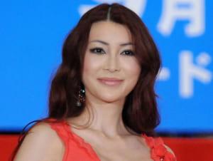 叶美香さんが『鬼滅の刃』の煉獄コスプレ披露 「特徴がリアル」「眉毛まで本気」