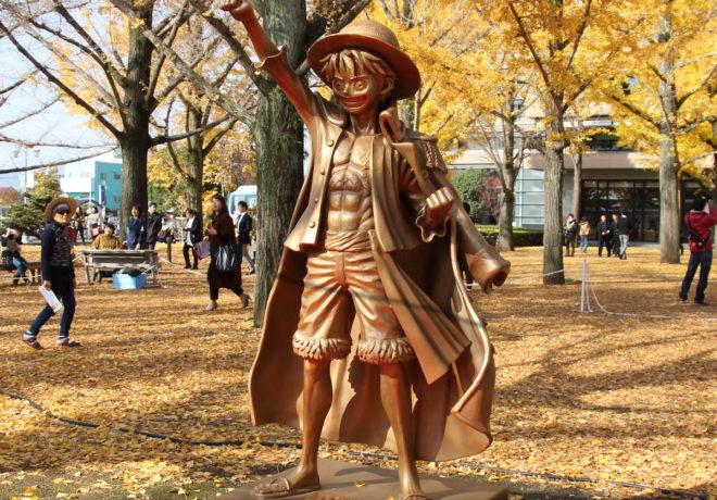【悲報】ワンピースの銅像、地元のシンボル像を撤去させて建てていた・・・